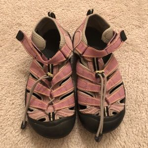 Women's Keen Pink Water Hiking Shoe sz 7